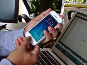 performing screenshot on iphone5s