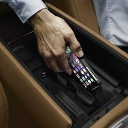 charging iphone wirelessly in bmw
