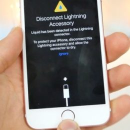 Error message when charging a wet iPhone