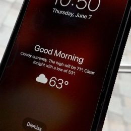 iPhone displaying Weather forecast on the Lock Screen