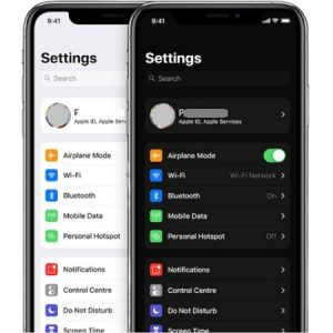 iOS 13 Light and Dark Mode on iPhone.