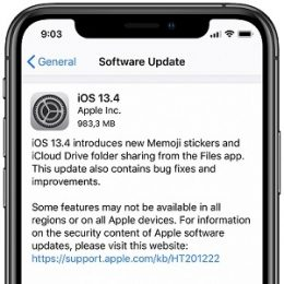 iOS 13.4 software update screenshot on iPhone 11.