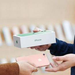 How to trade in your iPhone to Apple