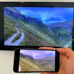 Mirroring iPhone to smart TV