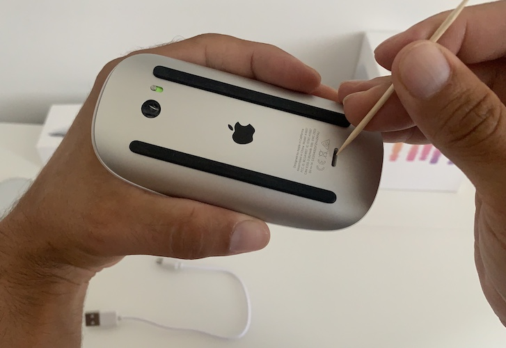 cleaning Magic Mouse 2 charging port
